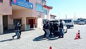 Van'da Göçmen Tacirlerine Operasyon