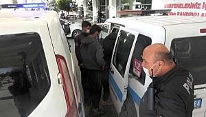 Yabancı uyruklu şahıslar, sahte evrakla seyahat ederken yakalandı