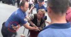 Cemaate Saldıran Kadın Dilenci, Olay Yerine Gelen Polisin Silahını Almaya Çalıştı
