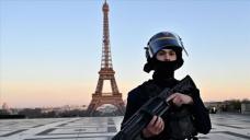 Fransa'da koronavirüs tedbirlerin kontrolü için 100 bin polis ve jandarma