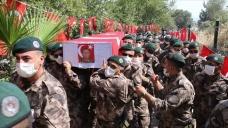 Hakkari'de şehit olan özel harekat polisi Adnan Kısar son yolculuğuna uğurlandı