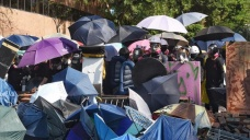Hong Kong'da üniversite işgalindeki protestocular 10 gündür polis ablukasında