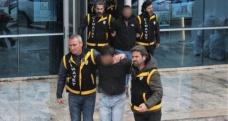 Polis memurunu başından vuran zanlı tutuklandı