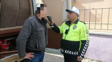 Servis soförü alkollü çıkınca öğrencileri okula polis götürdü