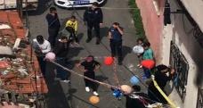 Sokakta düzenlenen doğum günü partisine polis baskını
