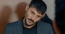 Ünlü dizi oyuncusu Taksim'de polis kontrolüne takıldı